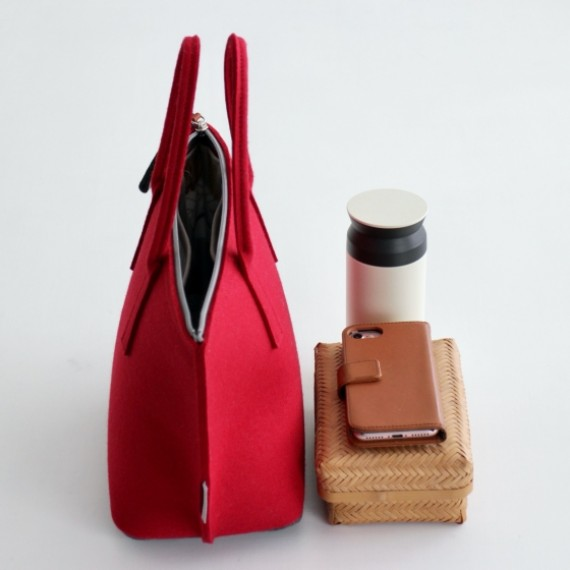 RED Lunch Bag with Water-resistant Inner Bag