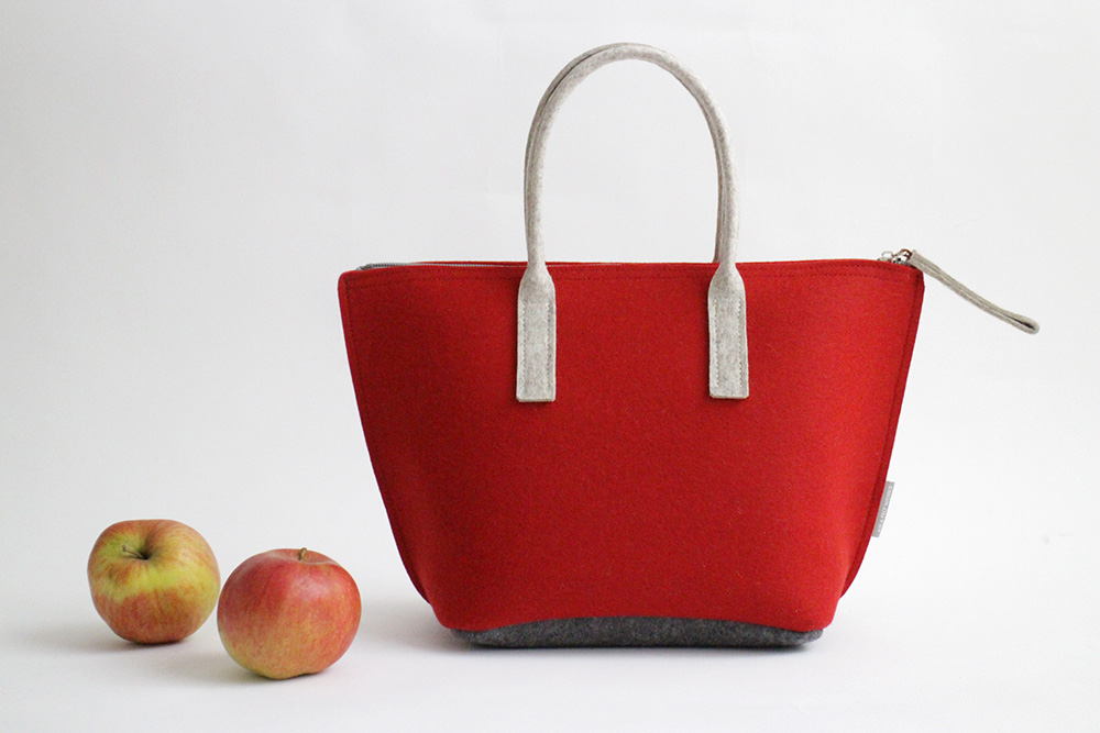 Lunch bag with water-resistant inner bag by Aika Felt Works